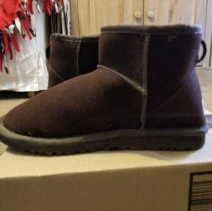 UGG CLASSIC MINI II BOOT Brown Size 9